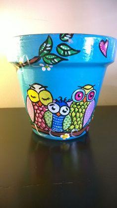 macetas pintadas a mano, lechuzas en tonos vibrantes, decorá cualquier rincón de tu casa, patio o balcón... ponele onda!! ponele color!!!nos pasteles... a pura inspiración!!! consultá x los talleres y seminarios de intervención de macetas!!!