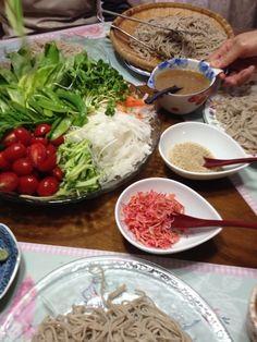 お野菜たっぷり、胡桃と胡麻風味のタレが絶品お蕎麦