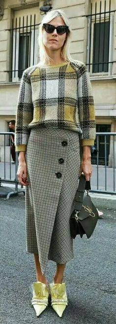 62 Ideas skirt long outfit winter fashion weeks for 2019 Look Fashion, Trendy Fashion, Winter Fashion, Womens Fashion, Autumn Fashion 2018 Casual, Autumn Fashion 2018 Street, Trendy Style, Street Fashion, Fall Outfits