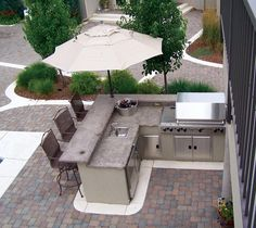 Lovely Outdoor Backyard Kitchen Ideas - For the Home - Outdoor Kitchen Ideas Outdoor Kitchen Patio, Outdoor Kitchen Countertops, Outdoor Kitchen Design, Outdoor Living, Outdoor Decor, Outdoor Grill Area, Outdoor Grill Station, Outdoor Barbeque, Small Outdoor Kitchens