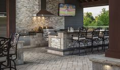Find Out What S Cooking In The Latest Outdoor Kitchen Design Trends Outdoor Kitchen Plans Outdoor Kitchen Design Build Outdoor Kitchen
