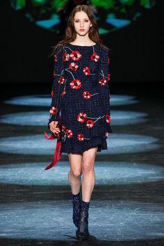 Sfilata Monique Lhuillier New York - Collezioni Autunno Inverno 2016-17 - Vogue