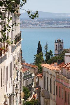 Going down from Graça | Lisbon, Portugal