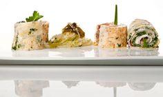 Receta de Rollitos de tortilla de espinacas y de salmón con ensalada de algas