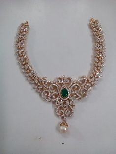 Indian Wedding Jewelry, Bridal Jewellery, Indian Jewelry, Diamond Necklace Simple, Diamond Jewelry, Pearl Necklace, Gold Designs, Jewelry Patterns, Necklace Designs