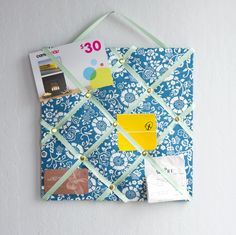 Smart DIY: Use Office Supplies to Make a French Memory Board