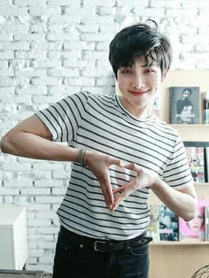 Love Yourself :Tear_Namjoon Seokjin, Kim Namjoon, Kim Taehyung, Foto Bts, Bts Photo, Jung Hoseok, Mixtape, Kpop, I Love Bts