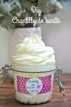 DIY: chantilly de karité - 50 Most Popular Products for 2020 Neutrogena, Beauty Care, Diy Beauty, Mousse, Handmade Cosmetics, Natural Cosmetics, Homemade Beauty, Homemade Soaps, Body Butter
