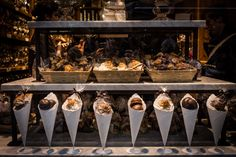 Irresistible shop window in #Brussels  © hobography.net