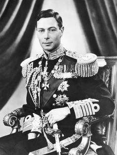 King George V of England inherited (from his father Edward VII) and enlarged The Royal Philatelic Collection, what has become one of the worlds finest collections of British Commonwealth postage stamps. George Vi, Roi George, Baby George, Reine Victoria, Victoria Reign, Queen Victoria, Duke And Duchess, Duchess Of Cambridge, Norfolk