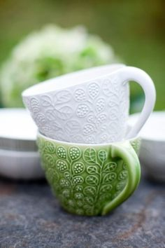ridiculously beautiful textured mugs | Ulrika Ahlsten - keramikerna.se