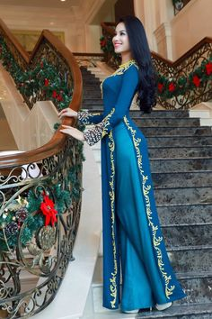 The Ao Dai is a Vietnamese Traditional Garment Ao Dai, Pakistani Dresses, Indian Dresses, Indian Outfits, Vietnamese Clothing, Vietnamese Dress, Vietnamese Traditional Dress, Traditional Dresses, Long Dress Fashion