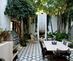 dream house courtyard!