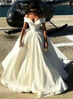 Elegant Off Shoulder Ball Gown Evening Prom Dresses 2018