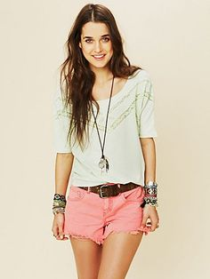 Casual summer outfit.... love everything hair and accessories included!