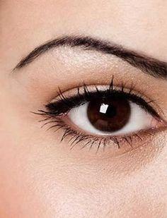 como delinearte los ojos clásico