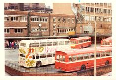 Leeds Pubs, Leeds City, Old Pictures, Old Photos, Welcome To Yorkshire, Leeds England, Red Bus, Bus Station, West Yorkshire