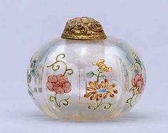 snuff or perfume bottles