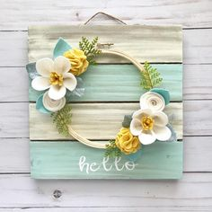 Ideas Embroidery Hoop Wreath Felt Flowers For 2019 Wood Flowers, Felt Flowers, Fabric Flowers, Paper Flowers, Diy Flowers, Felt Flower Wreaths, Felt Crafts, Crafts To Make, Wood Crafts