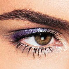 Winter, kou en frisse koele tinten gecombineerd met warmte, nude en glans. Laat je inspireren door deze look met een mix van warmte en kou. Een ideale frisse look voor als je de ijsbloemen op de ramen staan en je met snowboots de straat op moet gaan.  #LOOkX #Eyeshadow #BeautyinaBox Inspireren, Make Up, Winter, Winter Time, Makeup, Beauty Makeup, Bronzer Makeup, Winter Fashion