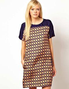 Baum und Pferdgarten Silk Shift Dress in Tile Print