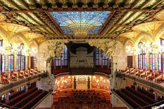 The interior of the Palau de la Música concert hall. Photo by Lohen11.