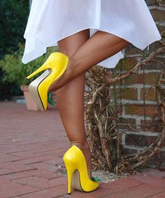 Sexy in Yellow. Yellow High Heels, Hot High Heels, High Heels Stilettos, High Heel Boots, Stiletto Heels, Yellow Pumps, Shoes Heels, Extreme High Heels, Prom Heels