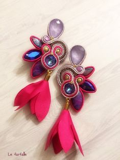 Swarovski earrings, soutaches rings with Swarovski Shibori, Beading Tutorials, Beading Patterns, Soutache Tutorial, Soutache Necklace, Beaded Earrings, Fabric Earrings, Earring Trends, Button Crafts