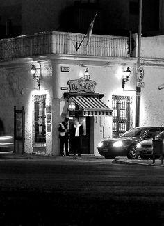 """San Telmo, el """"Viejo Almacen"""" declarado patrimonio cultural, Ciudad Autonoma de Buenos Aires, Argentina.    -lbk-"""