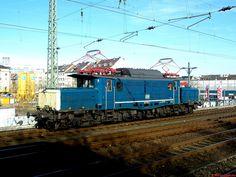 Rail 4U 194 178-0, die ehemalige DB 194 580-7, am 07.02.2011 im Bahnhof Düsseldorf-Bilk