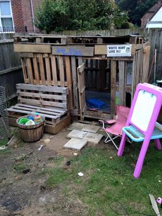 No-Cost #Pallet Kids #Playhouse - 15 Inspired Pallet Ideas for Your Home | 101 Pallet Ideas - Part 2