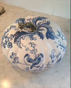 The Relished Roost: The Chinoiserie Pumpkin - no carve pumpkin ideas - pretty pumpkins - DIY pumpkin decor - painted pumpkins