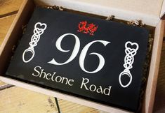 First impressions are so important, and a bespoke Welsh slate house sign is bound to leave a lasting impression on your house guests 🏴