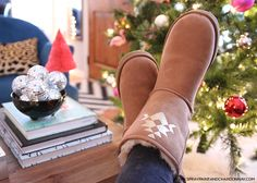 DIY Projects for Teenagers - Personalized Uggs - Cool Teen Crafts Ideas for Bedroom Decor, Gifts, Clothes and Fun Room Organization. Summer and Awesome School Stuff http://diyjoy.com/cool-diy-projects-for-teenagers