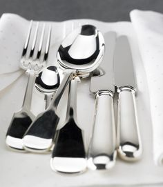 Old English Cutlery - Beautiful silver plate cutlery perfect to add a touch of class to any wedding or event!