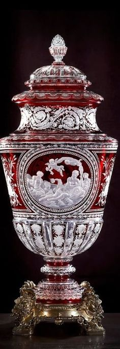 "Antique ""Simon"" Crystal Vase at the Muse Baccarat, Paris. (1867) Photo credit: Archives Baccarat."