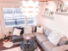 """Sanja on Instagram: """"Tällä hetkellä meidän olohuone toimii myös makuuhuoneena sillä makuuhuonetta remontoidaan kuumeisesti! 😅🖤🤍 . . . . #livingroom…"""" Couch, Furniture, Instagram, Home Decor, Homemade Home Decor, Sofa, Couches, Home Furnishings, Sofas"""