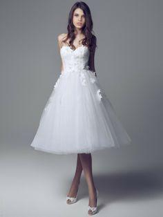 Colección de vestidos de novia 2014 Blumarine. www.webnovias.com