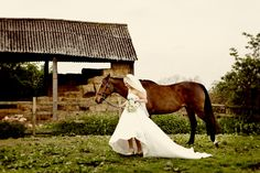 need to do a wedding photo shoot with the horses