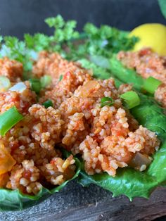 Vegan healthy and delicious eetch made with fresh or canned tomatoes. Bulgar Wheat Salad, Bulgur Salad, Cracked Wheat, Armenian Recipes, How To Make Salad, Side Dishes Easy, Fried Rice, Tomatoes, Food Processor Recipes