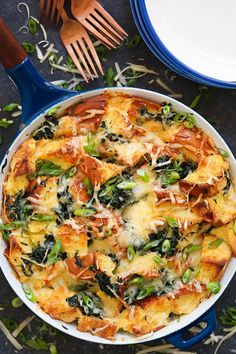 Spinach and Cheese Strata - The quickest, easiest (and cheapest, really), make-ahead savory bread pudding! Perfect for brunch get-togethers or even as a lazy dinner option. You can really have it for any time of the day! Christmas Brunch Menu, Christmas Morning Breakfast, Breakfast Dishes, Breakfast Recipes, Breakfast Ideas, Brunch Ideas, Autumn Brunch Recipes, Breakfast Strata, Brunch Food
