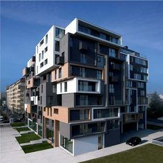 Multi-Plane Elevation   http://www.e-architect.co.uk/images/jpgs/bulgaria/jaclyn_building_as250309_gm_1.jpg