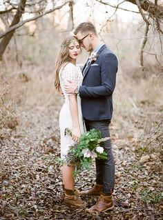 bride & groom pose inspiration. Perfect for any wedding; so sweet & intimate.