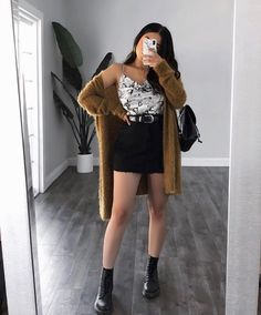 Cozy up and look cute in our snakeskin printed cami. Cute Casual Outfits, Simple Outfits, Stylish Outfits, Stylish Girl, Winter Fashion Outfits, Look Fashion, Fall Outfits, Fashion Clothes, Fall Fashion