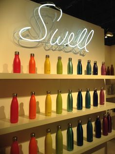 Swell water bottles Top Water Bottles, Swell Water Bottle, Best Water Bottle, Water Bottle Design, Glass Water Bottle, Bottle Display, Surf Shop, Cool Gadgets, Holidays And Events