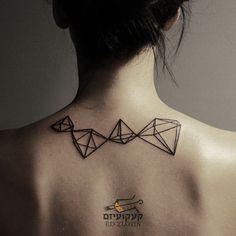 Work from a few months ago! #tatts #tattoo #tattoos #diamond #diamonds #diamondtattoo #line #linestattoo #tattooedpeople #tattoopeople #tattoopeoplerus #edzlotin #zlotintattoo #kaakuizm #tattooizmstudio @tattooizmstudio