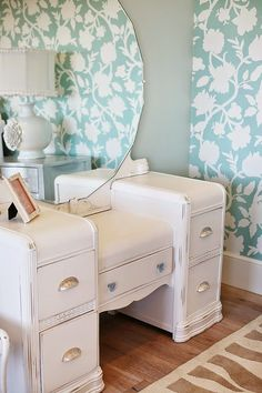 House of Turquoise: Dream Home Tour - Day Four. Should I consider painting my waterfall dresser. Refurbished Furniture, Repurposed Furniture, Furniture Makeover, Vintage Furniture, Painted Furniture, Refurbished Vanity, Vintage Dressing Tables, Dressing Table Vanity, Vanity Tables
