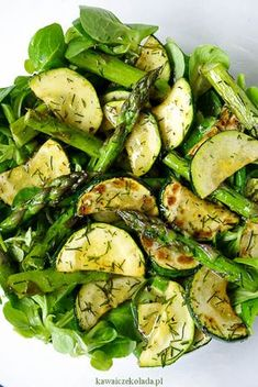 Sałatka ze szparagami i cukinią Healthy Recepies, Raw Food Recipes, Salad Recipes, Vegetarian Recipes, Cooking Recipes, Cooking Time, Slow Food, Healthy Eating, Healthy Food