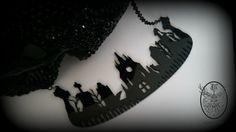 The Cemetery Necklace por CuriologyJewellery en Etsy
