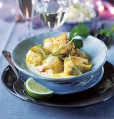 Monkfish with curry and coconut. Sound just about right at the moment. Recipe in French.